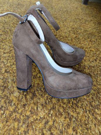 Туфли замшевые брендовые