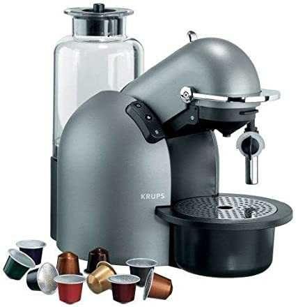 Máquina de café Nespresso Krups com caffe latte e capuccino