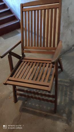 Sprzedam rozkładany fotel z drewna