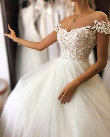Весільне плаття (низ в паєтках)