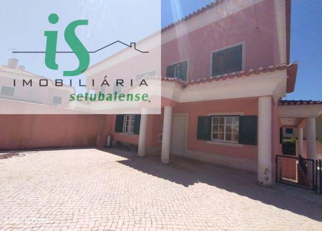 Moradia T7 Bi-Familiar Para Venda Em Albarraque (Sintra)