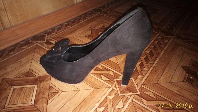 Продам туфли из экозамши.