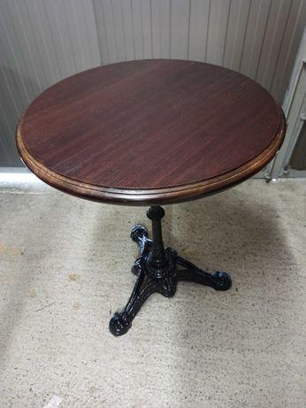 Stylowy stolik kwietnik