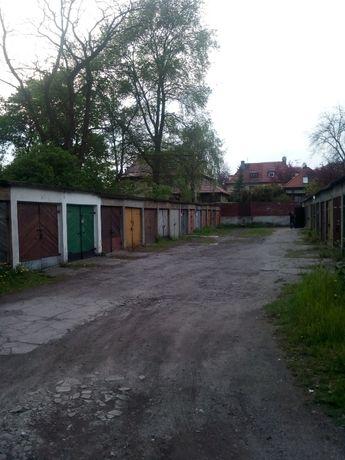 Gliwice, ul. Zawiszy Czarnego / ul. Mickiewicza, garaż murowany 16m2