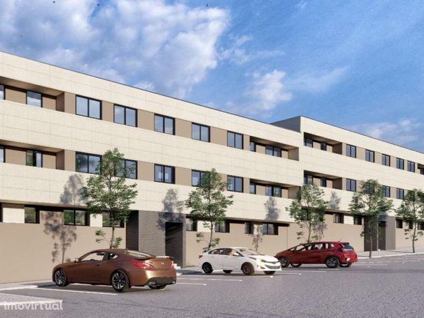 Apartamento T3 Novo com varandas e garagem para 2 viatura...
