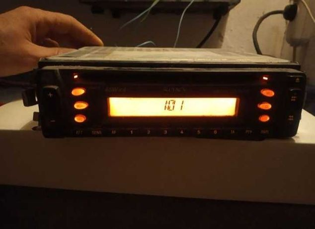 CD - магнитола Sony CDX-L410