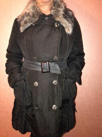 Продам осенне-зимнюю женскую куртку