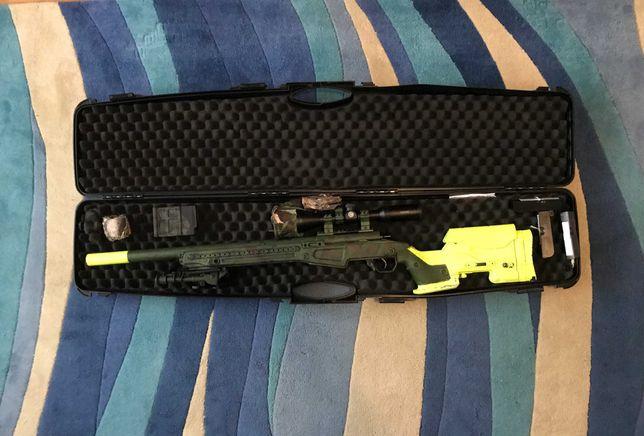 Sniper de Airsoft Réplica AAC T10 com Upgrades e Equipamento incluidos