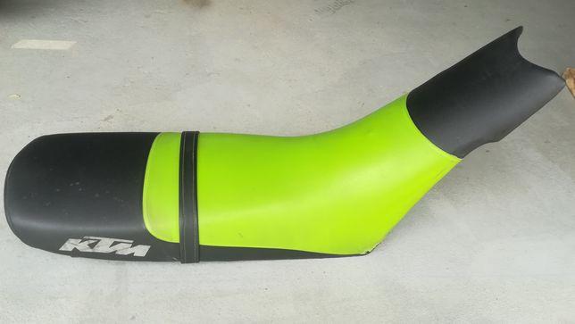 Kanapa, siedzenie do KTM Duke 640 LC4, zielone