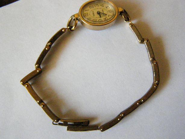 Часы женские механические позолоченные с браслетом (СССР)