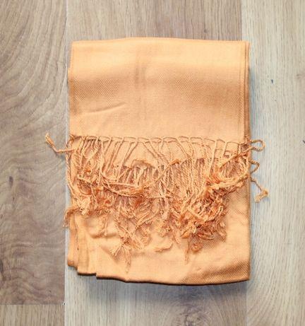 pomaranczowy szalik szal  lacoste