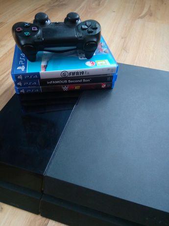 Konsola PlayStation 4 PS4