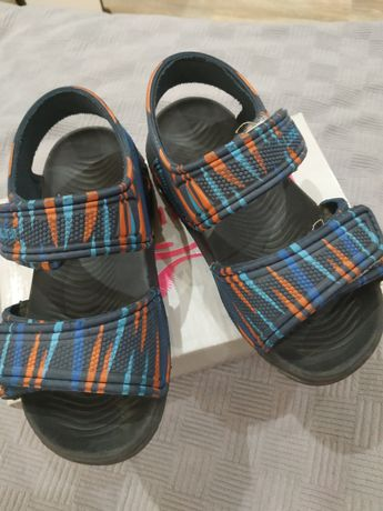 Пляжные сандалики