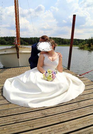 Suknia ślubna materiał mikado