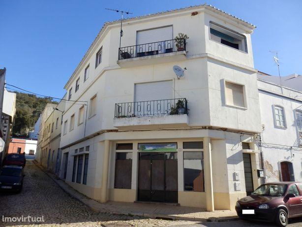 Prédio para investimento no Algarve