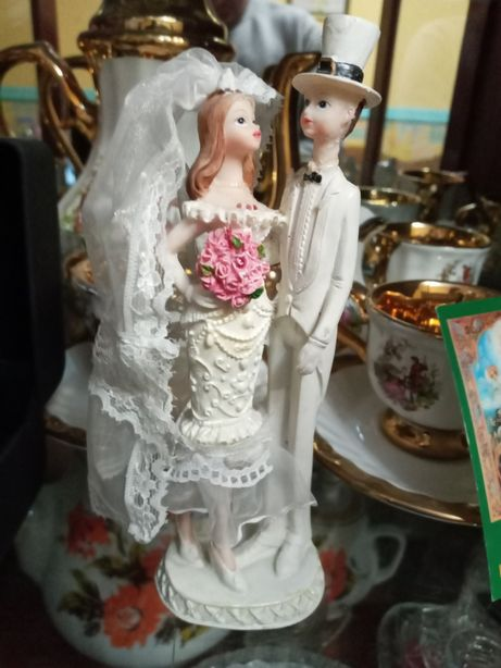 Свадебная статуэтка декоративная жених и невеста