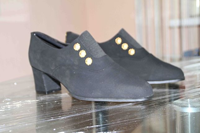 нарядные замшевые туфли италия