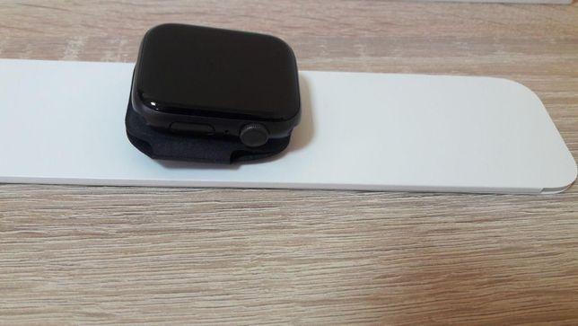 Apple Watch Series 5 GPS 44mm Space Gray Open box