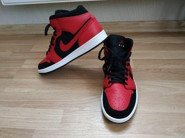 Кросівки Nike Jordan стан  нормальний.
