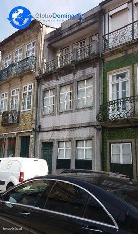 Prédio no centro de Braga, para venda