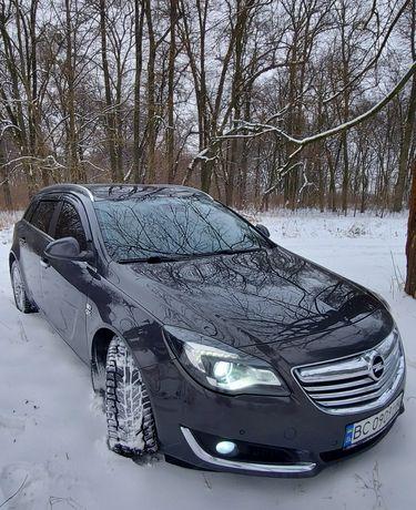 Автомобіль Opel Insignia