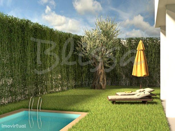 Moradia T5 com piscina privativa na Quinta da Bicuda Cascais