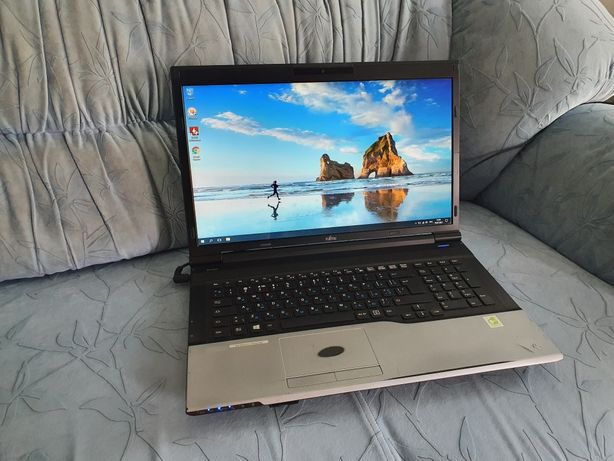 "17.3"" Fujitsu N532 (Core i5-3320M, 8Gb, 500Gb, Nvidia GT 630M)"