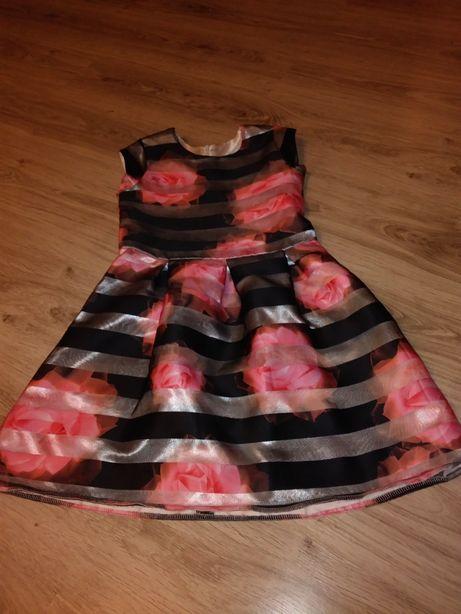 Sukienka w kwiaty 3D