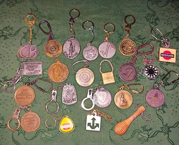 Coleção 70 porta chaves antigos