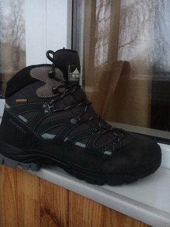 Ботинки раз 41 Everest