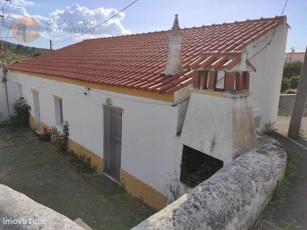 Moradia Térrea - Isolada - Com Terreno 600 M2 - Corte Peq...