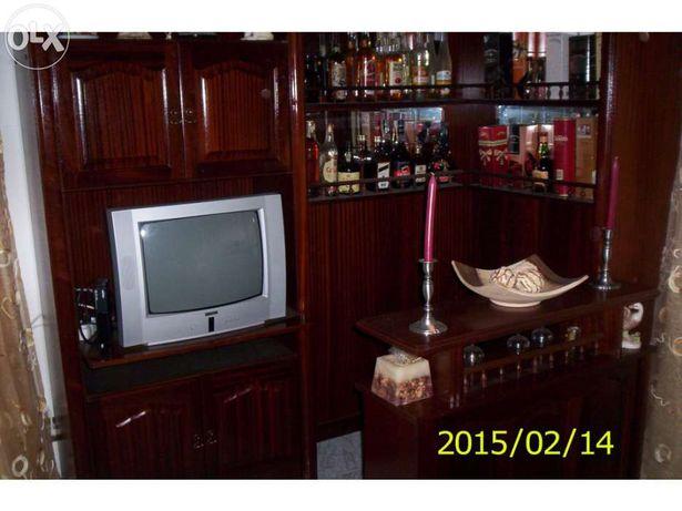 Móvel Bar com estante para TV