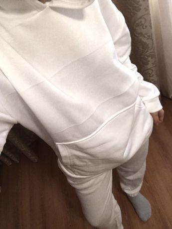 Костюм женкий белый