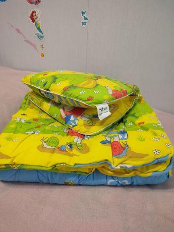 Одеяло+подушка в кроватку