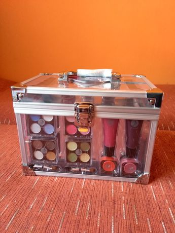 Kuferek kosmetyczny Nowy kosmetyki