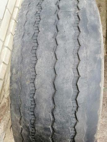 Грузовые шины бу 315/80R22.5