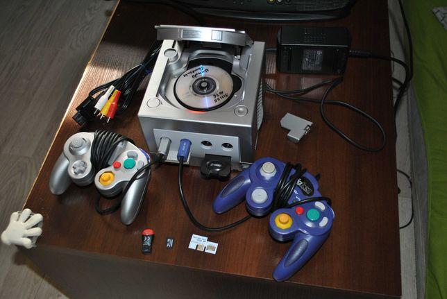 GameCube duży zestaw 2 Pady2 Karty Xeno SD2SP2 Karta SD kable Poznań