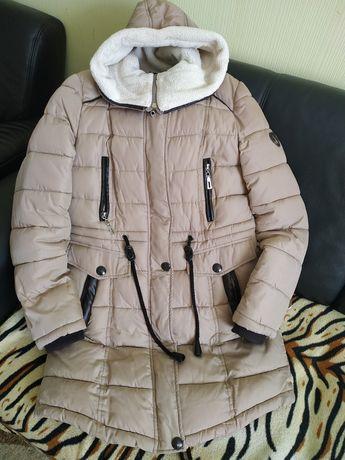 Зимова куртка,розмір L