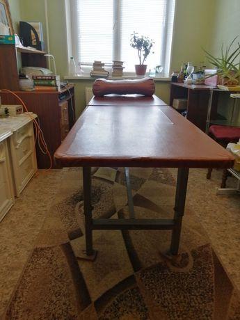 Массажний стол