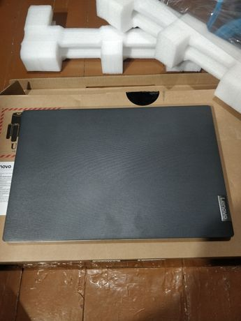 Продам ноутбук Lenovo V15-ADA
