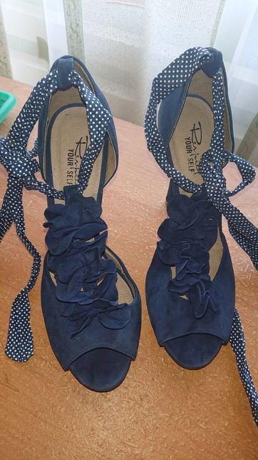 Босоножки, женская обувь