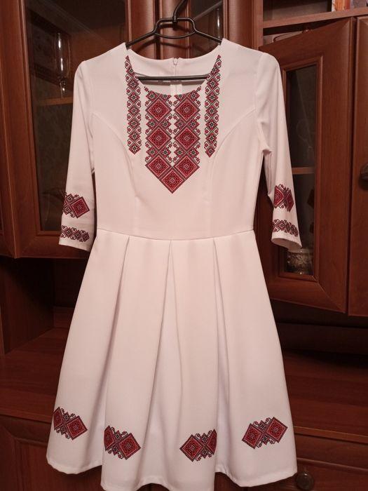 Вишете плаття 44 Снятын - изображение 1