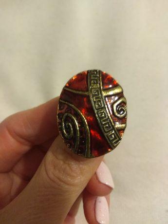Duży pierścionek