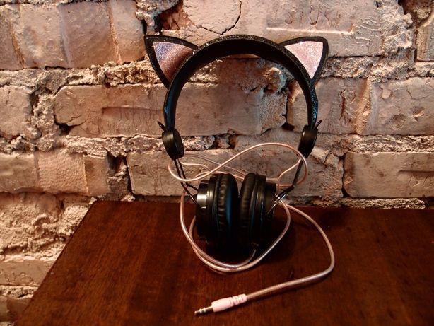 słuchawki przewodowe nauszne firmy H&M Czarny kot w bdb. stanie