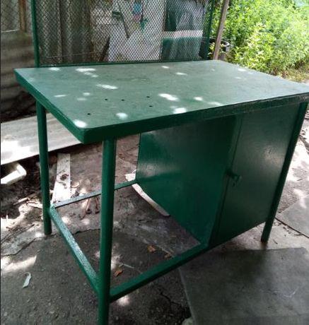 Продам стол верстак