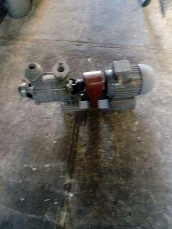 Pompa hydroforowa siłowa