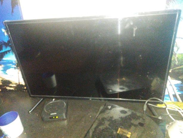 TV 32 polegadas ainda com o plástico