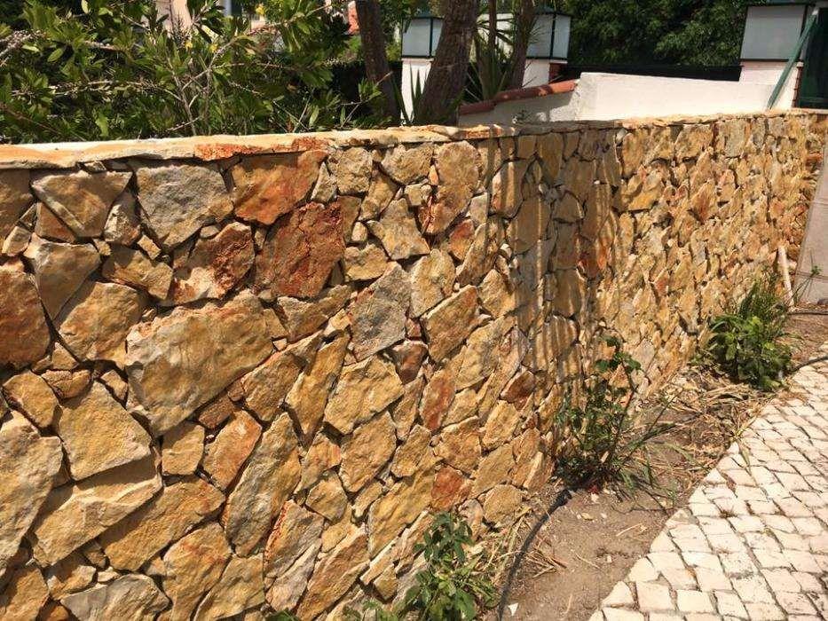 pedra vidraço laranja raiada Alcobaça - imagem 1