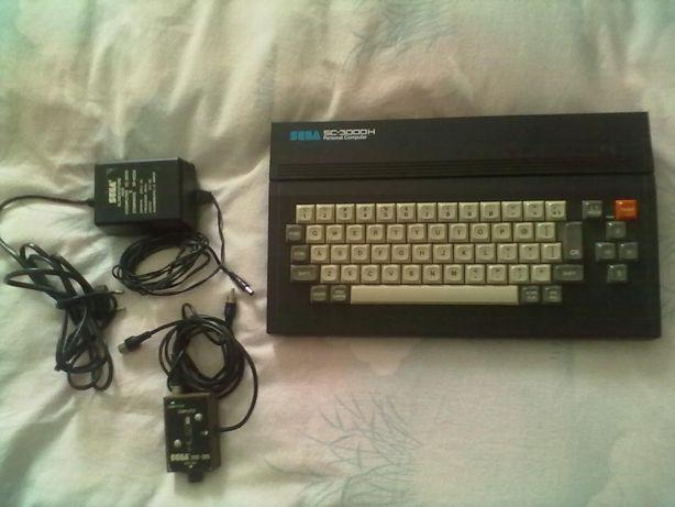 Sega SC 3000H, uma autêntica reliquia!com jogos, comandos e acessórios