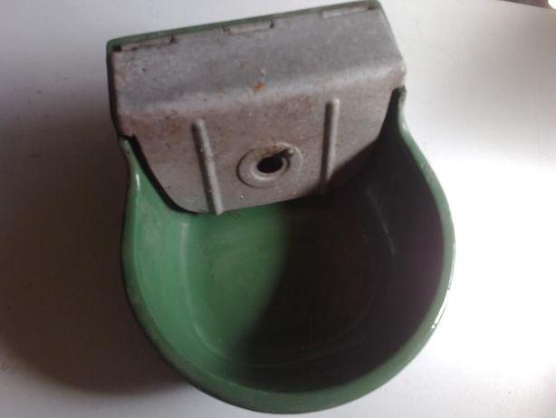 Bebedouro em ferro fundido doseador